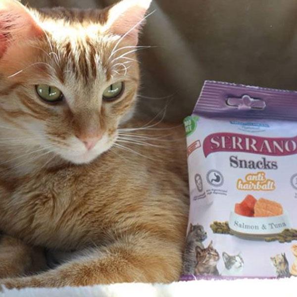 Link y Serrano Snacks para gatos de Mediterranean Natural