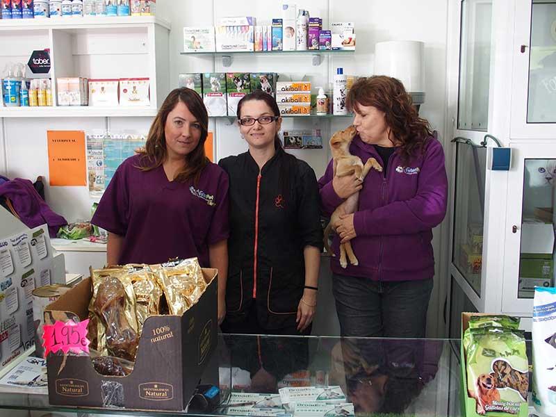 Perros en adopción. Colaboración Mediterranean Natural y Veterpet