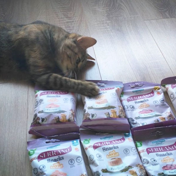 Fawncita y Serrano Snacks para gatos de Mediterranean Natural