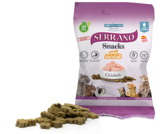 Serrano Snacks for cats of Mediterranean Natural: antihairball treats with chicken