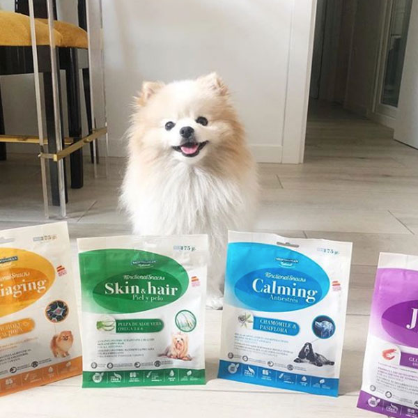 Nala The Pome y Functional Snacks para perros de Mediterranean Natural